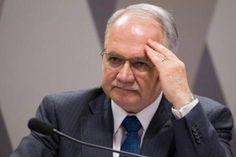 Esse conflito já vem vindo há um tempo. Os estados de Santa Catarina, Minas Gerais e Mato Grosso do Sul haviam recebido liminares do juiz Edson Fachin