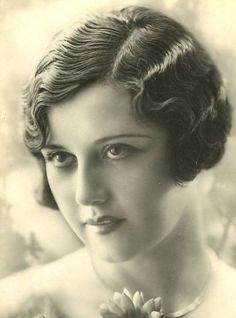 Fashionable Shenanigans: Traditional Hairstyles of the 1920's Flappers