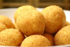 Arancini, Recipes From Heaven, Street Food, Granola, Food Hacks, Easy Meals, Food And Drink, Yummy Food, Cheese