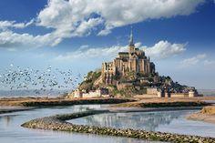 Isolotto tidiale della costa settentrionale della Francia.  Presenta uunaantuario in onore di San Michele. Dal 1979 è patrimonio mondiale dell'umanità dell'UNESCO.