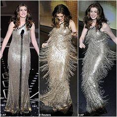 Anne Hathaway in Oscar de la Renta - 2011