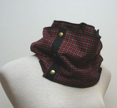 wool houndstooth scarf with brass snaps