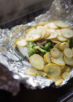 Patti LaBelle's Low-Carb Foil Packet Dinner Recipe Makes Healthy Eating Seamless - Brit + Co Seafood Recipes, Pasta Recipes, Low Carb Recipes, Chicken Recipes, Dinner Recipes, Cooking Recipes, Healthy Recipes, Diabetic Recipes, Foil Packet Dinners