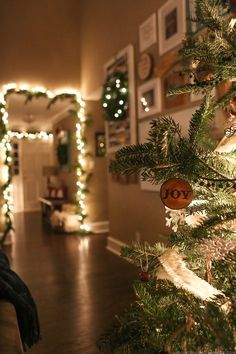 Come see how we decked out our home for the holidays with our cozy Christmas home decor! http://MountainModernLife.com
