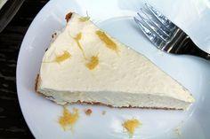Skinny Lemon Pineapple Cream Pie - http://www.diypinterest.com/skinny-lemon-pineapple-cream-pie/