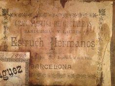 """#MUSICA #CANTAUTOR #VINILO #CROWDFUNDEADO Complementar la edición en CD del nuevo disco """"Força Vita!"""" con una edición de 100 copias en vinilo del mismo disco y reeditar nuestro 1er disco """"Pantanito"""", también con una edición de 100 copias en vinilo con portada diferente y un EP con 3 temas extras. http://www.verkami.com/projects/8317-edicion-en-vinilo-del-nuevo-disco-de-pantanito-forca-vita-y-reedicion-en-vinilo-del-primer-disco-pantanito Crowdfunding verkami"""