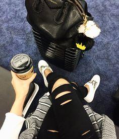 """37.5rb Suka, 173 Komentar - Camila Coelho (@camilacoelho) di Instagram: """"Airport vibes☕️✈️ #airport"""""""
