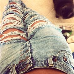 Riped jeans <3
