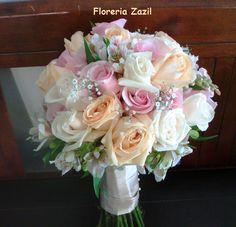 https://flic.kr/p/u5xaos   Ramo de novia de rosas   Ramo de rosas color beige, melon, y rosa pastel. #Floresbodascancun #Cancunweddingflowers