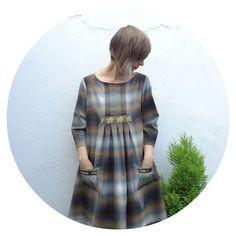 Ivy Arch: A plaid habit: Stylish Dress Book 1 - Dress E