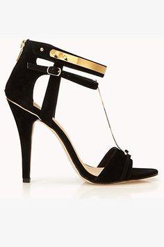 Super sexy summer heels.
