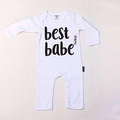 e06443781f7561 Wit baby boxpakje, babykleding unisex, baby onesie. Cribstar collection