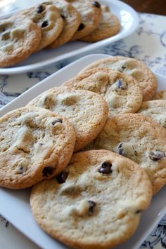 Just a Sliver: Magnolia Bakery Chocolate Chip Cookies