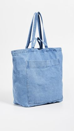 Find and compare BAGGU Giant Pocket Tote across the world's largest fashion stores! Denim Handbags, Denim Tote Bags, Denim Purse, Denim Bag Patterns, Plastic Shopping Bags, Latest Handbags, Recycled Denim, Fabric Bags, Medium Bags