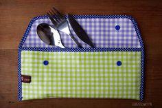 liebste schwester: Eine Reise-Bestecktasche kann so praktisch sein