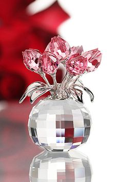 ~ It's a Colorful Life ~ — (via Swarovski Moments Rose Tulips) Swarovski Crystal Figurines, Swarovski Crystals, Cut Glass, Glass Art, Glass Figurines, Crystal Collection, Red And Pink, Tulips, Christmas Bulbs