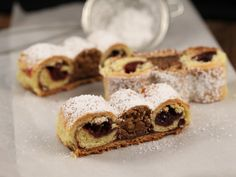 Romanian Food, Tempera, Food Cakes, Cake Recipes, Cinnamon, Cooking Recipes, Sweets, Bread, Roses
