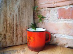 Large Enamel Mug Vintage Bright Red Roses by VintageVoyageLV
