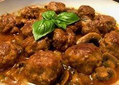 Klopsiki w sosie myśliwskim Pyszne mięsko i aromatyczny, esencjonalny sos to połączenie doskonałe. Klopsiki podałam z kaszą gryczaną i muszę powiedzieć, że smakowało to wyśmienicie ale oczywiście można je zaserwować z ziemniaczkami, kluskami czy makaronem i z pewnością będzie równie smacznie. Polecam!   Składniki: 0,5 kg mięsa mielonego (użyłam wieprzowo-wołowego) 1 jajko 2 łyżki …