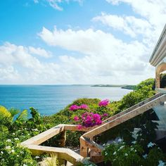 Sunday Funday in Paradise! Imagine yourself coming home to Doxie's Dream - In Island Harbour - secluded and quiet neighborhood overlooking Captain's Bay Area. Great for evening hikes and walks on a secluded beach! . The villa is located in the up and coming Island Harbour Village with a local vibe and excellent food! @scillycay . . Contact scott.Hauser@SothebysRealty.com for a private tour! . . #siranguilla #sothebysrealty #sirglobalaffluence #sothebysinternationalrealty #axa #anguilla…