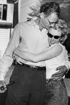 40 Rare Photos of Marilyn Monroe You've Probably Never Seen Marilyn Monroe hugs her fiance, Arthur Miller, on the lawn o