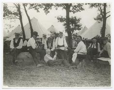 "Gettysburg, Pa., 50th anniversary, veterans ""fighting the battles over again"" 1913"