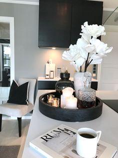 Decor Home Living Room, Living Room Designs, Bedroom Decor, Home Decor, Home Room Design, Home Interior Design, First Apartment Decorating, Apartment Interior, Apartment Ideas