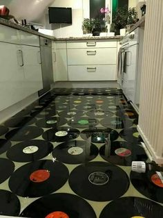 Vinyl kitchen flooring is a very popular choice by homeowners. Vinyl kitchen flooring offers many benefits to the homeowner who has children, pets, or lives an active lifestyle. These floors are ve… Best Flooring, Kitchen Flooring, Ceramic Flooring, White Flooring, Garage Flooring, Linoleum Flooring, Bedroom Flooring, Flooring Ideas, Vinyl Record Art