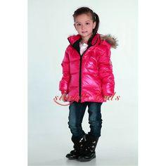 Moncler Boys and Girls Coats Moncler, Swarovski Outlet, Girls Coats, Herve Leger Dress, Boy Or Girl, Kids Fashion, Winter Jackets, Celebrities, Boys