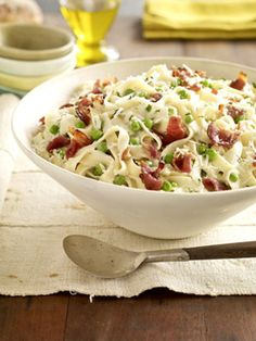 Healthy Carbonara: Fat-free half-and-half makes a low-fat cream sauce for the pasta, bacon, and peas in this 20 minute dinner.