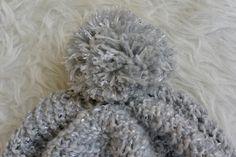 Envie d'un bonnet avec un gros pompon ? découvrez notre tutoriel sur le blog Phildar