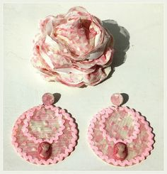 carretasybueyes: Colección 2013_ Señora Crochet Earrings, Coin Purse, Christmas Ornaments, Holiday Decor, Fabric, Jewelry, Creative Things, Tejido, Tela