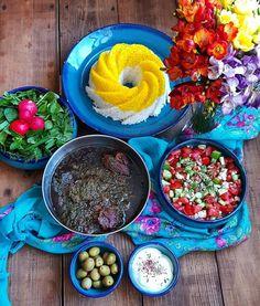 Iranian Dishes, Iranian Food, Sabzi Recipe, Yummy Bites, Persian Culture, Learn To Cook, Stew, Islamic, Kitchens