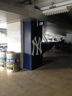 New York Yankees-Pillar Wrap