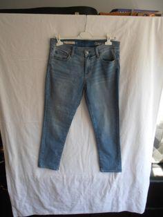 GAP Jeans slim http://www.videdressing.com/jeans-slim/gap/p-5241781.html?&utm_medium=social_network&utm_campaign=FR_femme_vetements_jeans_5241781