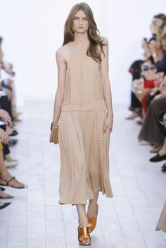 Chloé Spring 2012 Ready-to-Wear Fashion Show - Lara Mullen (PREMIER)