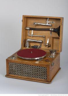 Phonographe à disque Ecoles Internationales des Archives de la Parole, 1921