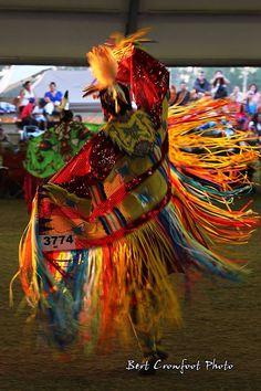 Fancy shawl, 2014 ENOCH Powwow photo Bert Crowfoot - https://www.facebook.com/pages/Crowfoot-Photography/125840672763