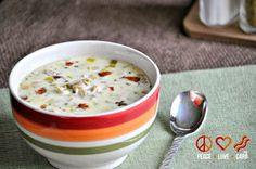 Low Carb Clam Chowder with Bacon - Everything is better with bacon. Even chowder! This is a nice, hearty New England style chowder - low carb style! Low Carb Slow Cooker, Slow Cooker Recipes, Low Carb Recipes, Real Food Recipes, Crockpot Recipes, Soup Recipes, Cooking Recipes, Ketogenic Recipes, Healthy Recipes