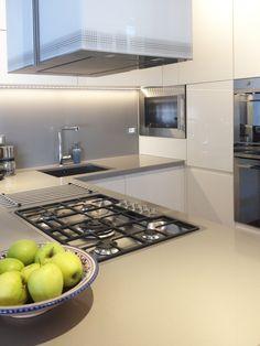 Bespoke Glossy Laquered Kitchen