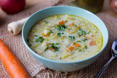Zupa ogórkowa z marchewką, pietruszką i ziemniakami. Podbita śmietanką. Cheeseburger Chowder, Blog, Blogging