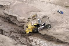 The Buggy MD Rallye of France's Pascal Thomasse and co-pilot Pascal Larroque Dirt Racing, Off Road Racing, 4x4 Off Road, Road Race Car, Race Cars, Pajero Off Road, Rallye Paris Dakar, Rally Dakar, Rallye Raid