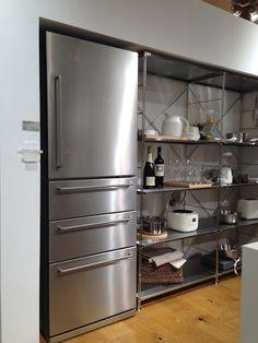 ミニマルデザインの冷蔵庫を探した話 - poco blog