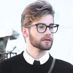 Finding The Best Short Haircuts For Men Trending Hairstyles For Men, Classic Mens Hairstyles, Hipster Haircuts For Men, Trendy Mens Haircuts, Popular Mens Hairstyles, Hairstyles For Round Faces, Pelo Hipster, Hipster Man, Men's Grooming