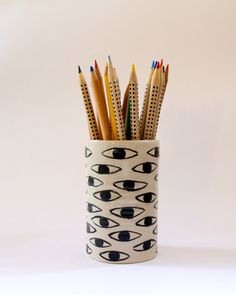 Eye ceramic pencil holder