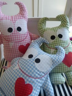 Baby Pillows, Kids Pillows, Animal Pillows, Monster Dolls, Sewing Projects For Kids, Sewing For Kids, Sewing Toys, Sewing Crafts, Diy Bebe