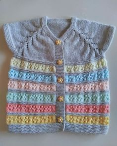 Knitting patterns, knitting designs, knitting for beginners. Baby Knitting Patterns, Knitting Bear, Baby Sweater Patterns, Baby Cardigan Knitting Pattern, Easy Knitting, Knitting Designs, Baby Pullover Muster, Baby Coat, Baby Sweaters