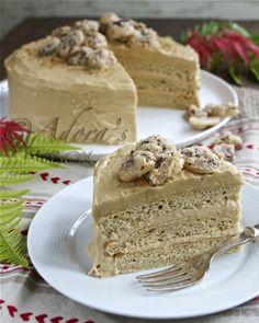 ADORA's Box: CARAMEL CAKE WITH SUGARED PECANS