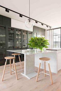 Hecker-Guthrie-Carlton kitchen. Image by-Shannon-McGrath