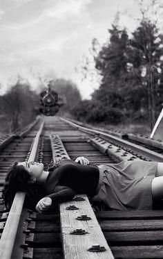 sh-g-ibrahim:Photographer: Robert Doisneau Robert Doisneau, Foto Portrait, French Photographers, Foto Art, Train Tracks, Story Inspiration, Belle Photo, Black And White Photography, Dark Side
